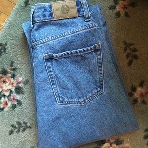 VINTAGE High Waisted/Rise Light Wash Mom Jeans